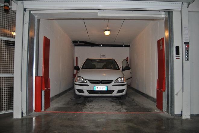Trasporto cose montacarichi realizzati all interno di for Appoggiarsi all aggiunta del garage
